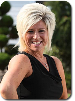 Celebrity Booking Agency - Celebrity Host & Speaker  - Theresa Caputo
